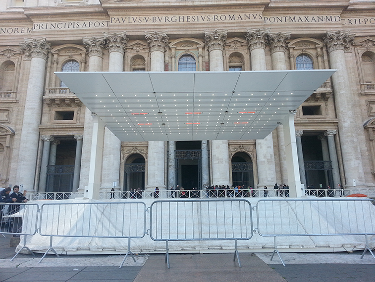 Wir erwärmen den Papst - Pavillion 01